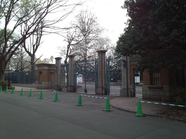 上野動物園の昔の正門。