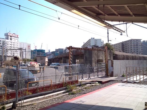 横浜。錆びていく東急の高架線。