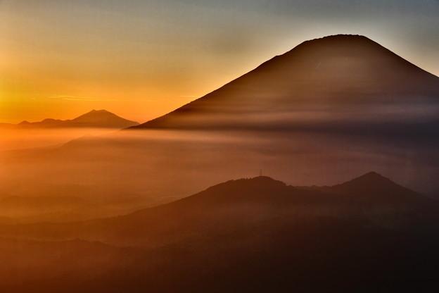 雲海に沈む夕日と羊蹄山 その3