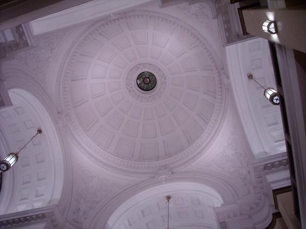 芸術的な天井