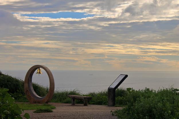 写真: 眺めのいいベンチ