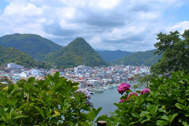 下田の町を見下ろして