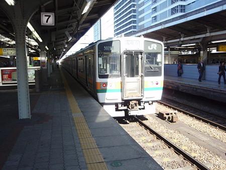 211系(名古屋駅7番線)
