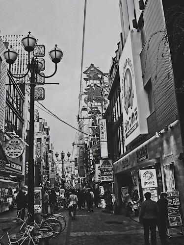 戎橋筋商店街 モノクロ