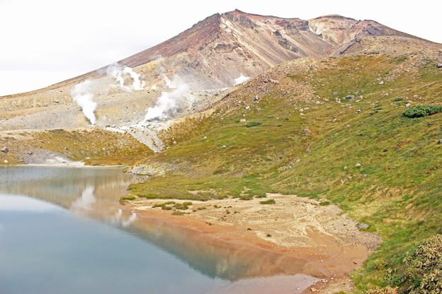 写真: 旭岳と姿見の池1IMG_1489b