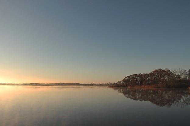 ウトナイ湖の夜明け