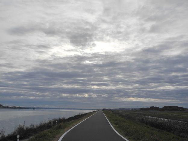 2018.12.10 きょうの風景・東側の雲