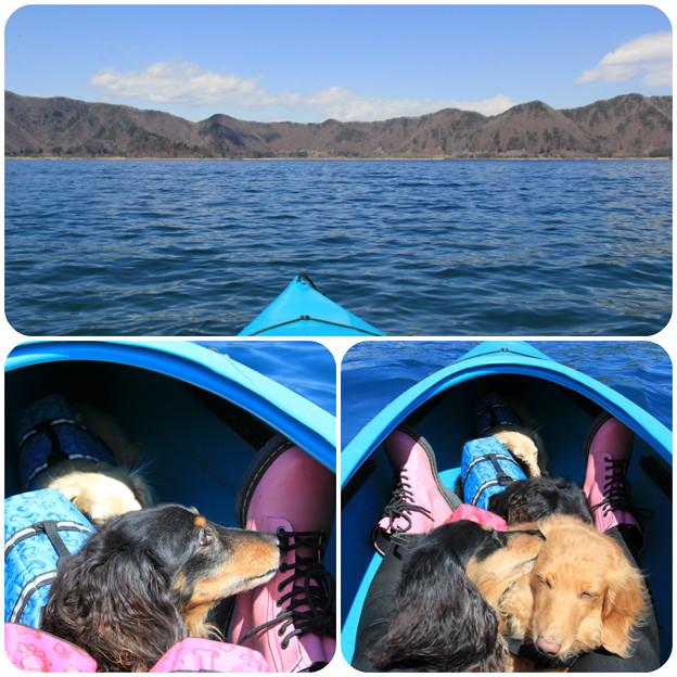 本栖湖でカヤック