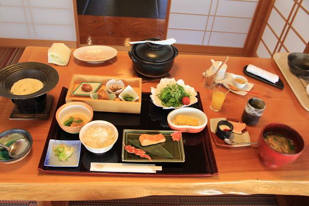 朝食は和食