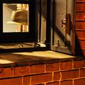 Photos: 帽子のある窓辺