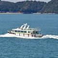 写真: 観光船