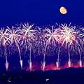 Photos: 月と花火