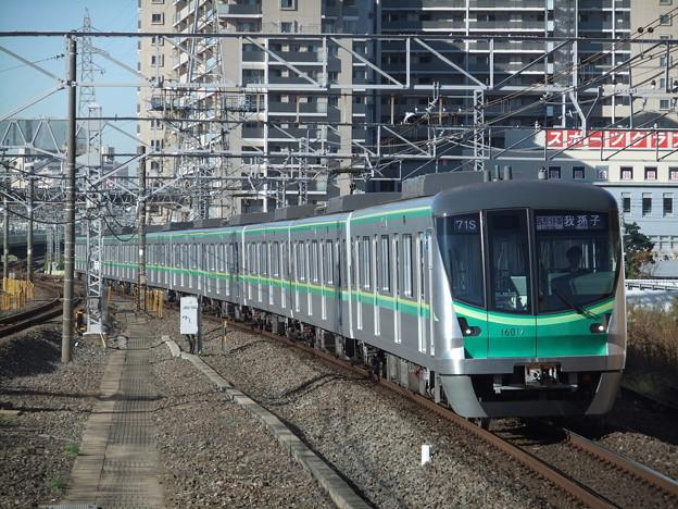 東京メトロ千代田線16000系 16117F