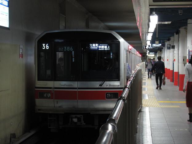 東京メトロ丸ノ内線02系 02-186F