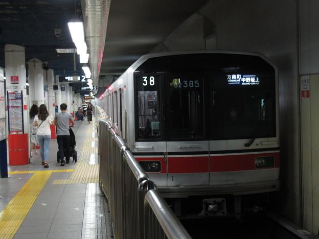 東京メトロ丸ノ内線02系 02-185F