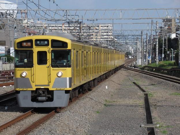 西武新宿線2000系 2517F+2537F