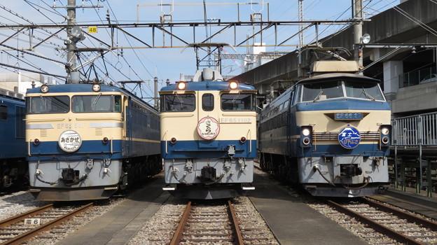 EF65 501・EF65 1102・EF66 27 3並び