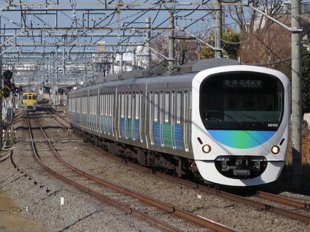 西武新宿線30000系 38108F