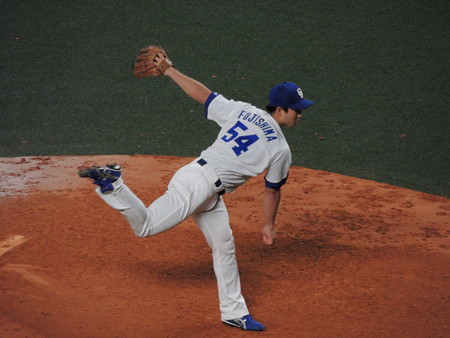 藤嶋健人投手。