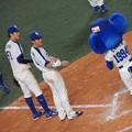 Photos: 大島くんと京田くんとドアラ。