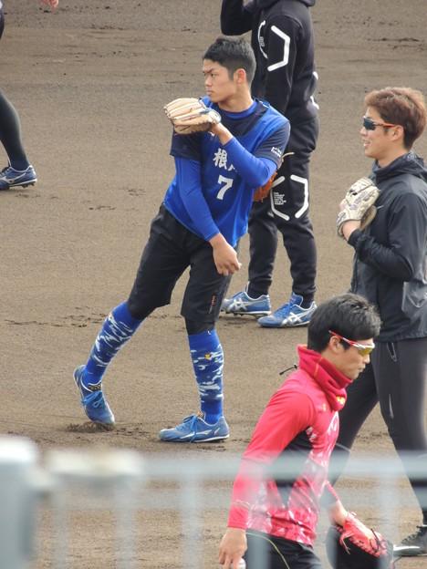 根尾くんの手前に京田選手。