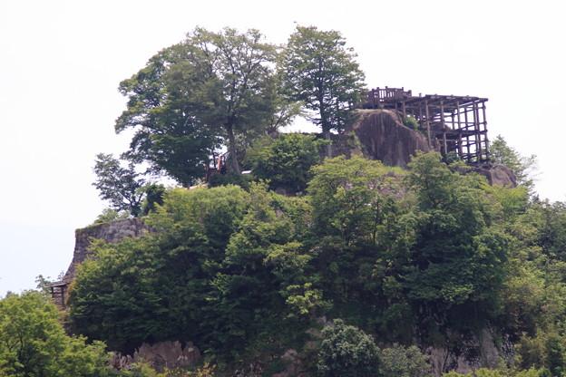 巨岩に築かれた苗木城