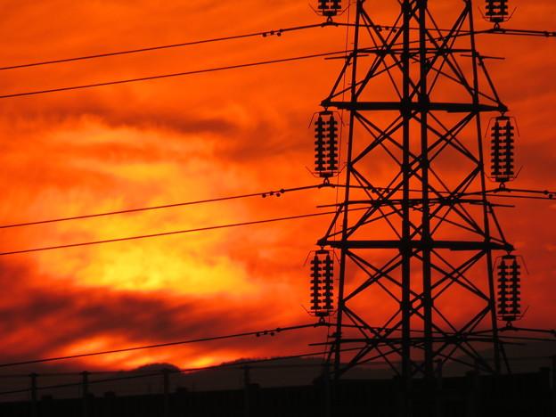 朝焼けと鉄塔