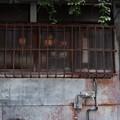 Photos: 水道と格子
