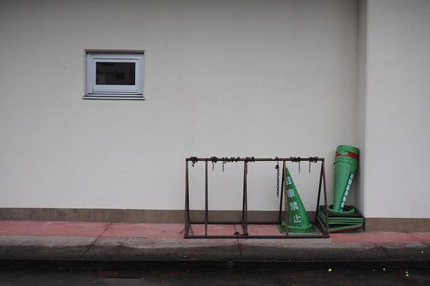 Photos: 窓とコーン