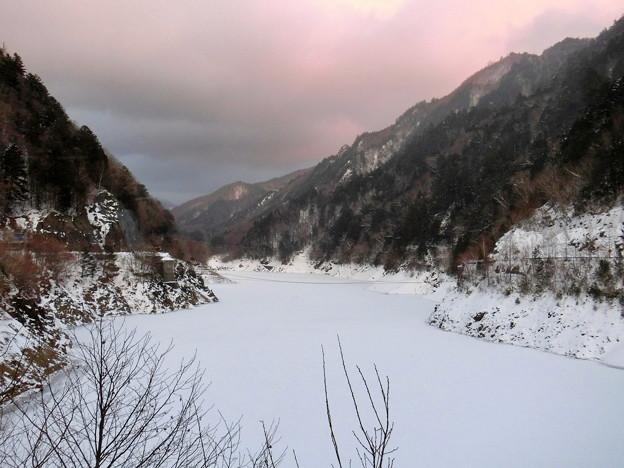 Photos: 雪の渓谷