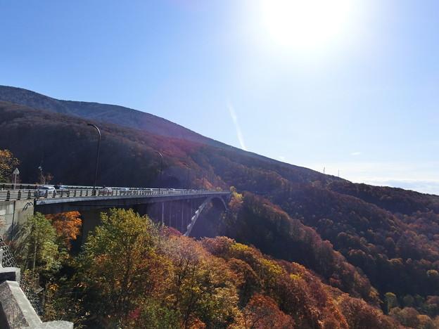 逆光の城ヶ倉大橋