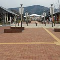 写真: 復興 女川駅前