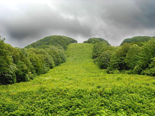 写真: 八甲田のゲレンデ