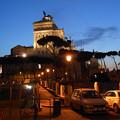 写真: トラヤヌスの広場からエマニュエル二世記念堂
