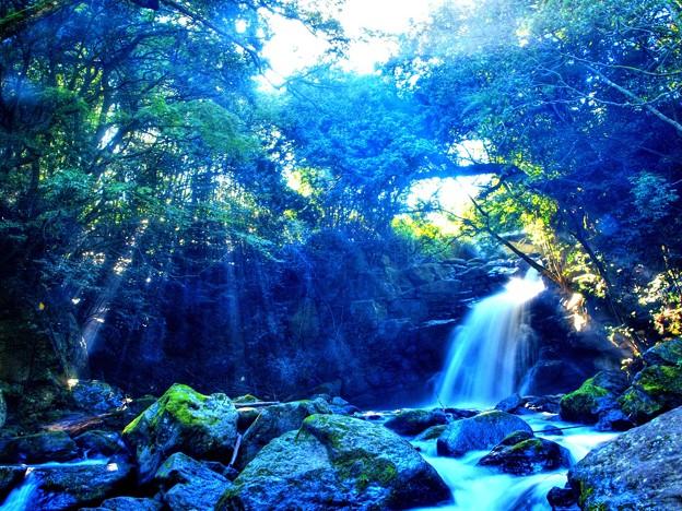 写真: 男滝光芒