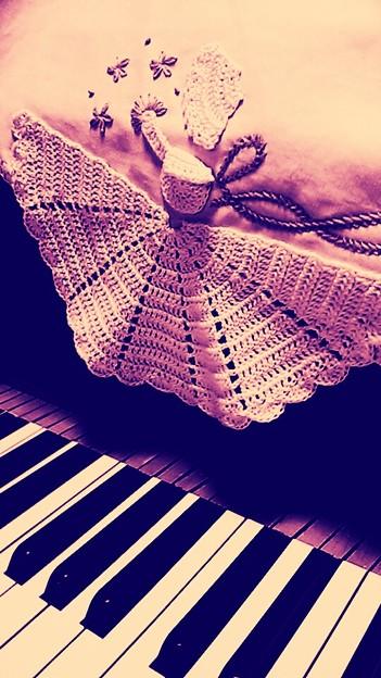 鍵盤と少女・色違い2