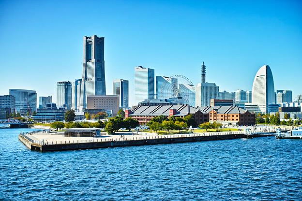 横浜港大桟橋から望む みなとみらい