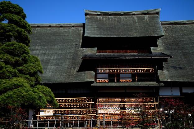 Photos: 秋の屋根1