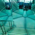 鏡張りの階段