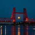 写真: 昇開橋 満月