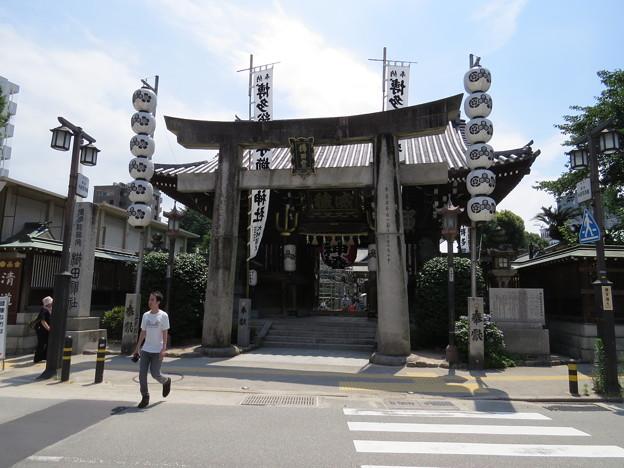 櫛田神社本殿前