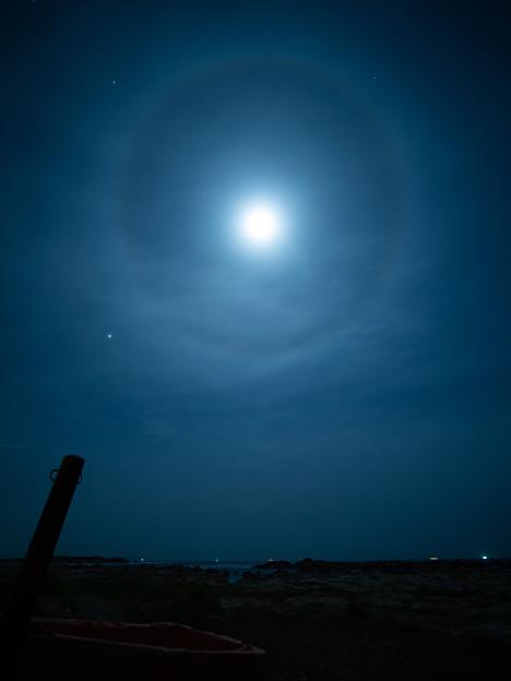 月暈ばかりの夜でした。