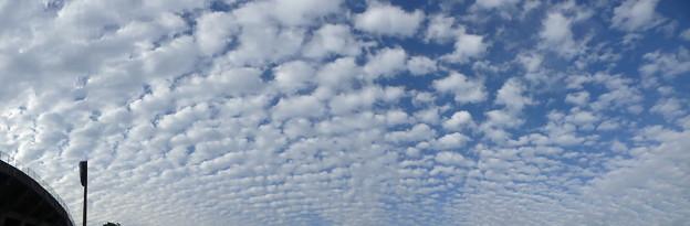ピカラスタジアムの空 パノラマ
