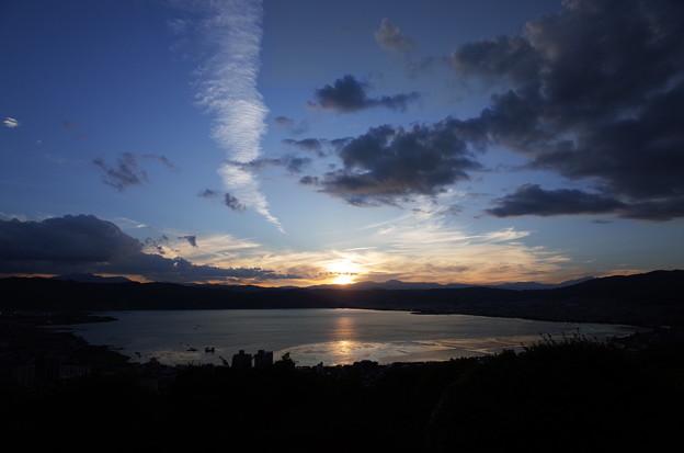 初秋・諏訪湖に沈む夕陽と夕景4@長野県諏訪市 立石公園(2018