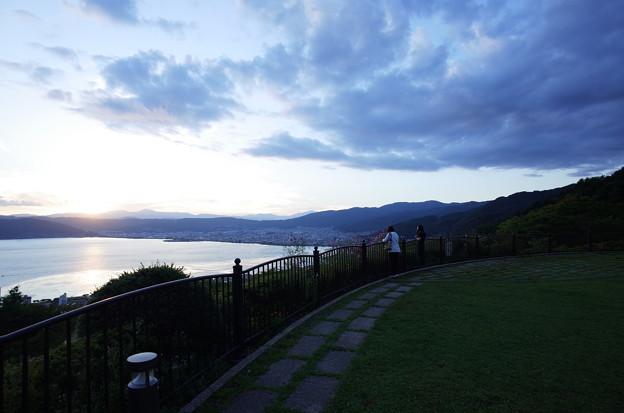 初秋・諏訪湖に沈む夕陽と夕景5@長野県諏訪市 立石公園(2018