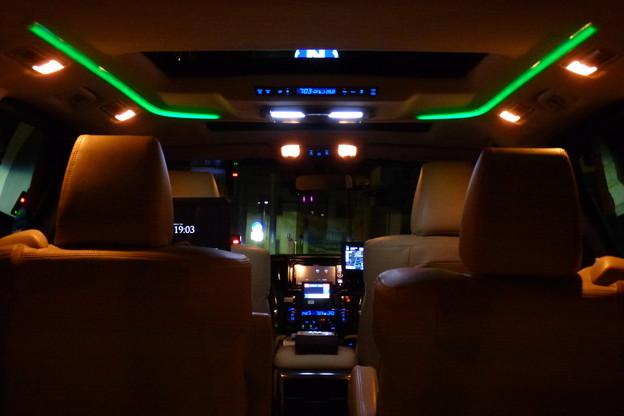 Photos: 「近未来タクシー」!?我が家前に現る