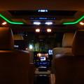 写真: 「近未来タクシー」!?我が家前に現る