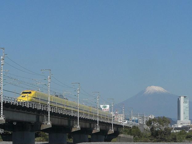 富士を仰ぐ