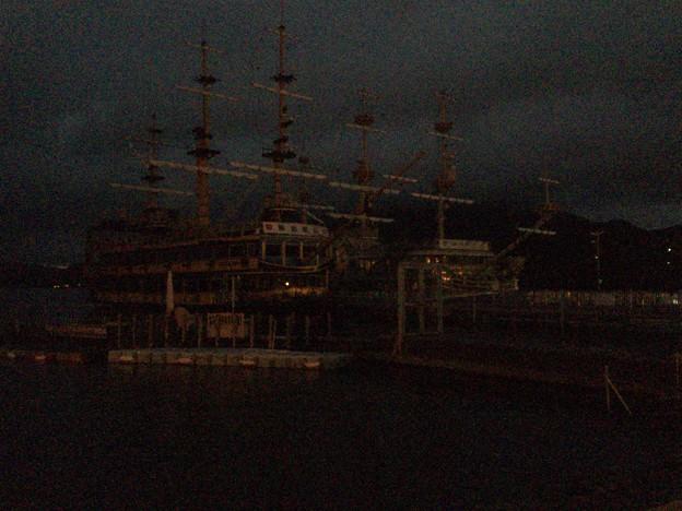 眠る海賊船