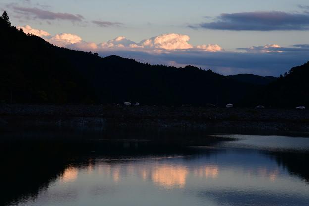 明日もまた いい日になると 夕の雲
